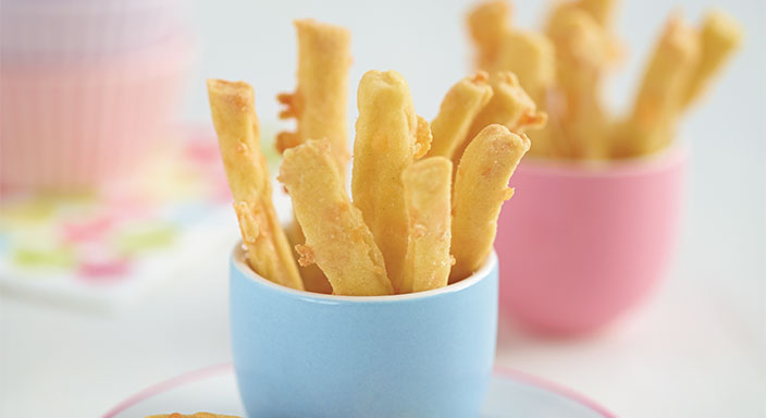 Crumbly Cheese Straws