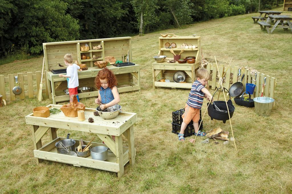 outdoor play - mud kitchen