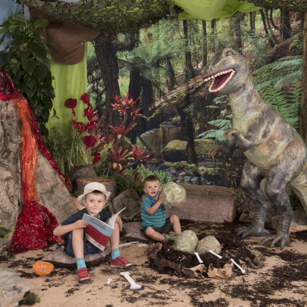 Dinosaur immersive environment