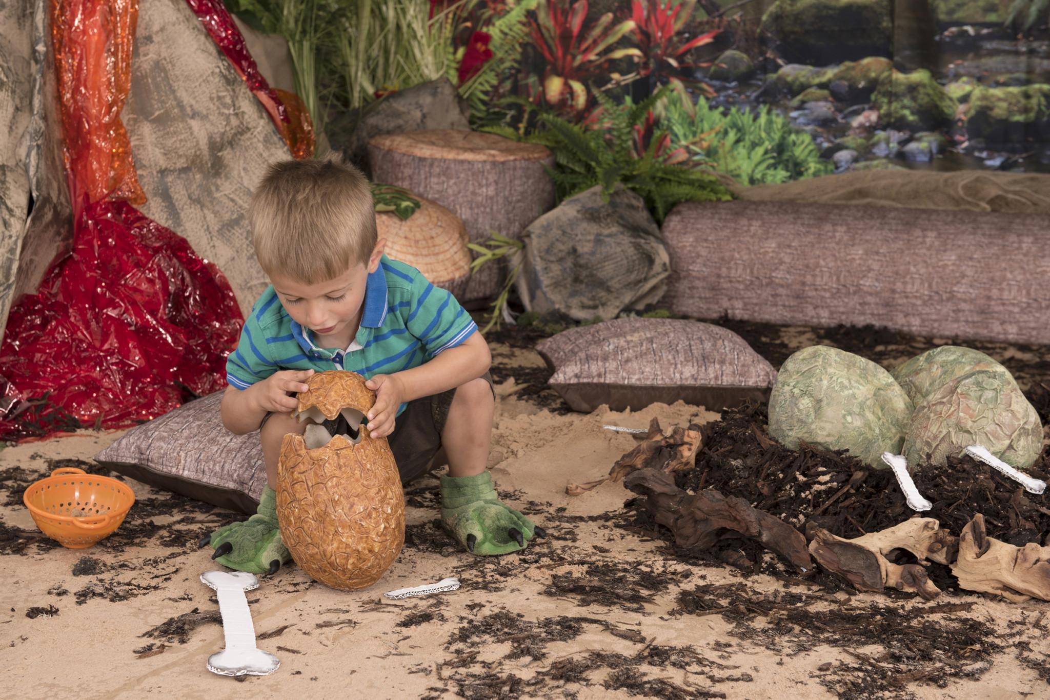 Making Dinosaur eggs