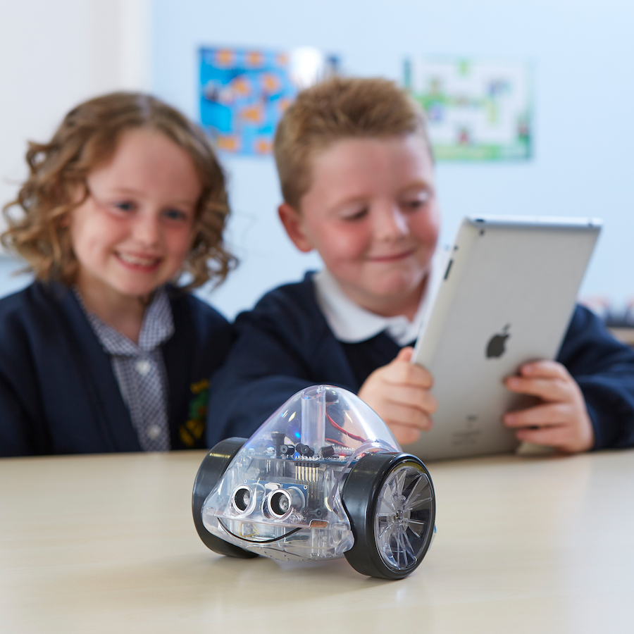 Ino-Bot floor robot for coding and programming with scratch