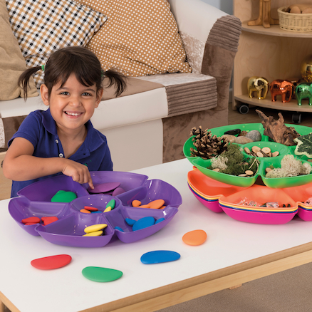 Loose parts trays