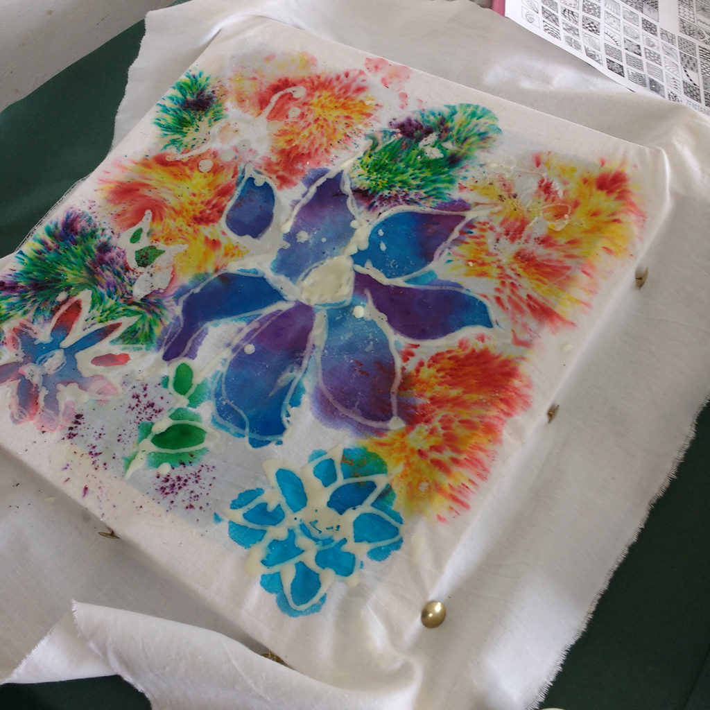 Batik in the classroom - Fireworks and colour gradations