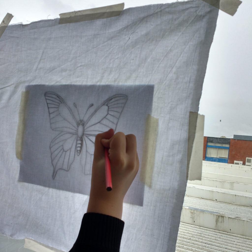 Batik - Tracing the image