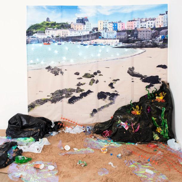 seaside plastic environment